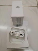 Used Apple Airpods Pro White in Dubai, UAE