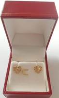 Used 10K solid gold heart earring studs New in Dubai, UAE