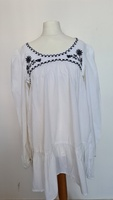 Used Women's embroidered top in Dubai, UAE