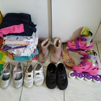 Used Bundle of clothes shoes skates 🎀 in Dubai, UAE