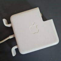 Used Magsafe 60w used in Dubai, UAE