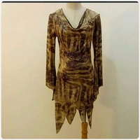 Used Brand new longtop for lady ** in Dubai, UAE