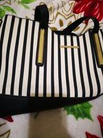 Used 1 green new and 1 Susen Preloved bags 65 in Dubai, UAE