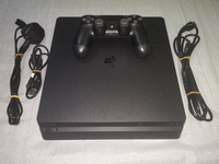 Used PS4 Slim in Dubai, UAE