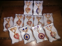 Used New jewellery set.. Per pcs in Dubai, UAE