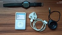 Used Ipod 160gb with charger & Smart watch in Dubai, UAE