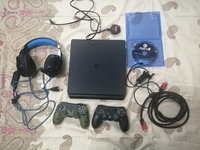 Used Ps4 console & 2 Controllers & headphones in Dubai, UAE