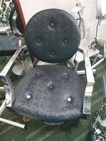 Used saloin chair in Dubai, UAE