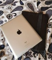 Used Ipad 16 go +Charger in Dubai, UAE