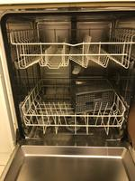 Used Dishwasher in excellent condition in Dubai, UAE