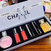 Used Chanel box small set in Dubai, UAE