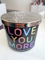 Used Bath and body love Candle 411g in Dubai, UAE
