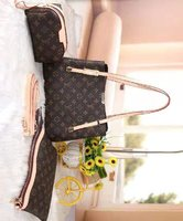 Used Louis Vuitton bag sets of 3 in Dubai, UAE