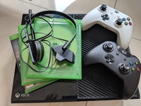 Used Xbox one complete package in Dubai, UAE