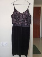 Used Knee length dress size medium in Dubai, UAE
