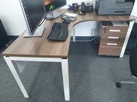 Used Office desk in Dubai, UAE