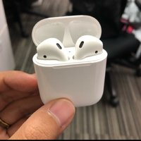Used Apple Airpods Master copy boxpack in Dubai, UAE
