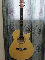 Used Acoustic Guitar Brand New in Dubai, UAE