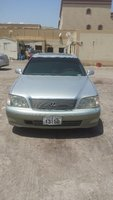 Used Im selling Lexus LS 400 model  2001 in Dubai, UAE