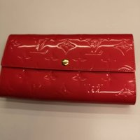 Used Authentic Louis Vuitton Vernis Wallet in Dubai, UAE