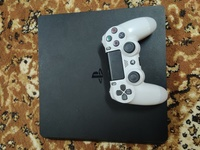 Used Sony PS4 Slim 500gb in Dubai, UAE