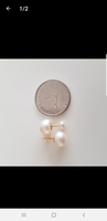 Used New screw-in real pearls in 18k gold ear in Dubai, UAE