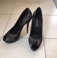Maria Rossini Black Lace Shoes In Good Condition