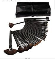 Used Makeup brush set hh in Dubai, UAE