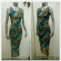 Fashionable Dress with slit for lady