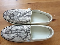 Used LV SHOES in Dubai, UAE