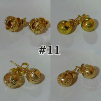 Used 4pairs 10k gold earrings in Dubai, UAE