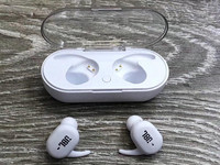 Used JBL FULL BASED AIRPODS in Dubai, UAE