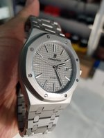 Used Stylish watches for man high  quality in Dubai, UAE
