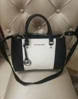 Used AUTHENTIC MICHAEL KORS BAG... in Dubai, UAE