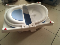 Used Expandable baby bath tub in Dubai, UAE