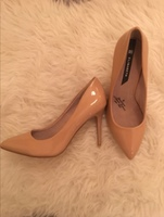 Used Elizabeth nude high heels in Dubai, UAE