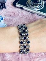 Bracelet with black and white stones