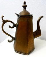 Used VINTAGE BADOUEIN COFFEE POT BRASS in Dubai, UAE