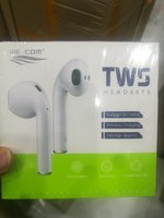 Used Airpods 2 we. com original nice quality in Dubai, UAE