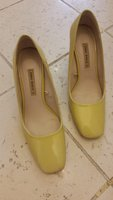 Used zara yellow shoes🎁🎁 in Dubai, UAE