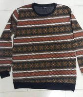 Used Winter sweater for 11-13 years old kid in Dubai, UAE