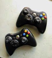 Used 2x Faulty Xbox controllers in Dubai, UAE