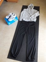Used Fitness bundle: outfit, shoes & yoga mat in Dubai, UAE