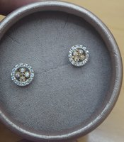 Used 18 k Gold earing For sale in Dubai, UAE