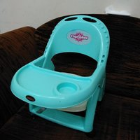 Used Cup cakes chair for kids age 2 in Dubai, UAE