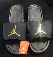 Used Jordan Flip Flops ! in Dubai, UAE