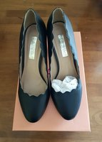 Used Black medium high heels in Dubai, UAE