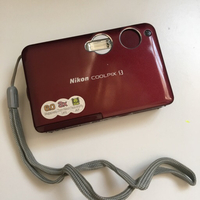 Used Nikon coolpix S3 6MP 3x zoom in Dubai, UAE