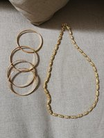 Used Golden ladies bangles and gold necklace in Dubai, UAE