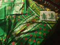 Used Pakistani dresses 3pc lawn .. in Dubai, UAE